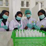 Jadi Barang Langka, Hand Sanitizer Siswa SMK PIM Jadi Pilihan (1)